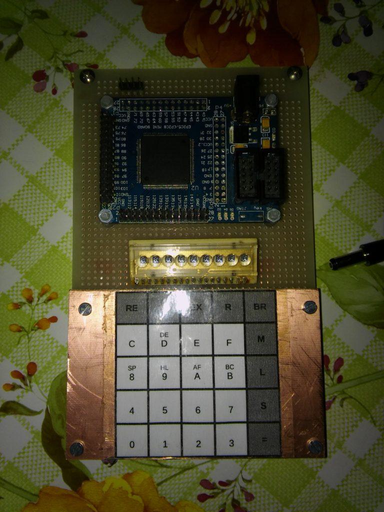 PMI z dokončenou klávesnicou
